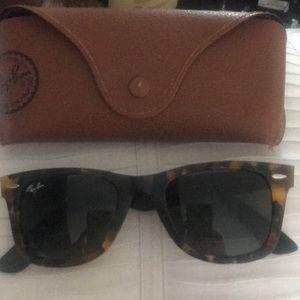 Ray Ban Cat eye sunglasses 🕶